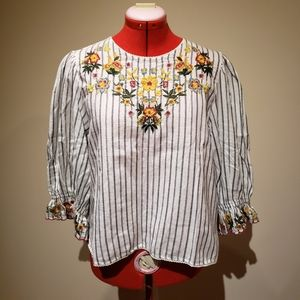 NWT Zara embroidery back-button closure blouse